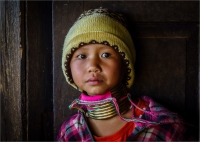 Kayan_Girl_by_Bert_Schmitz.jpg