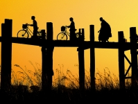 Footbridge_at_Sunset.jpg