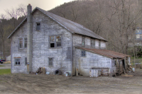 Abandoned_Home_in_Wassaic___NY_DDingee.jpg